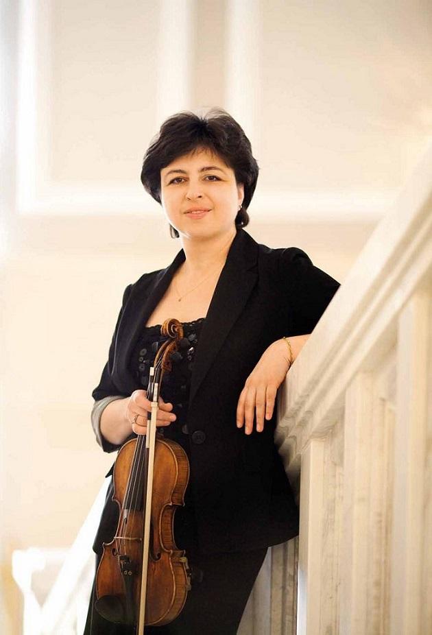 Regina Sarkisova. Asm.albumo nuotr.jpg