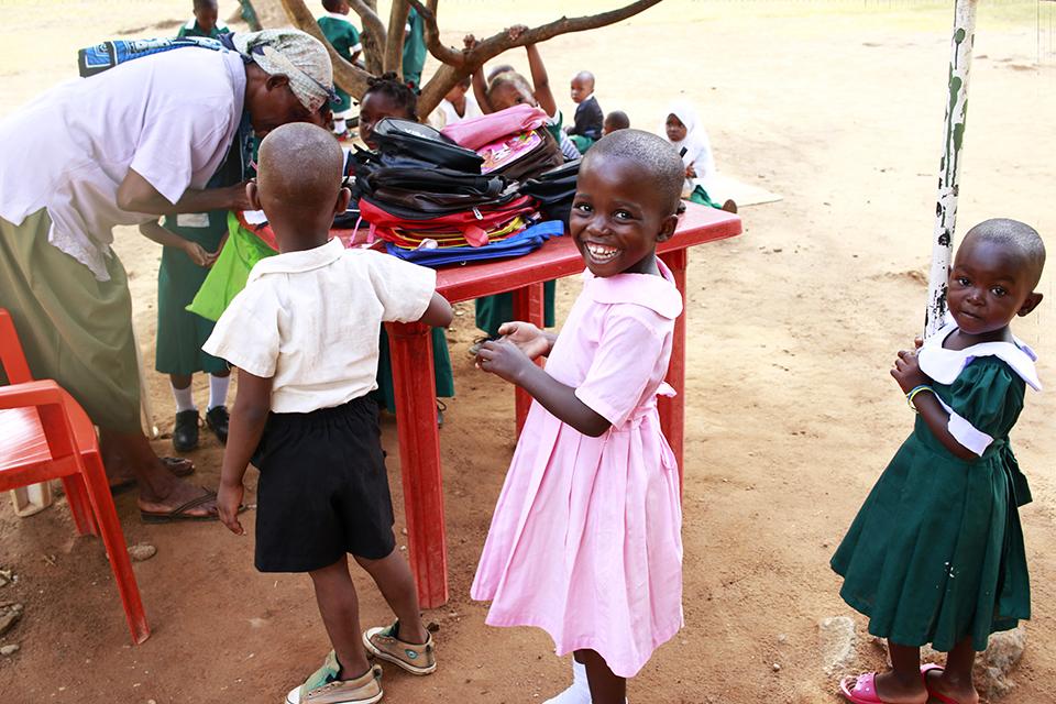 interviu savanoriavimas Mzumbe kaimelyje.JPG